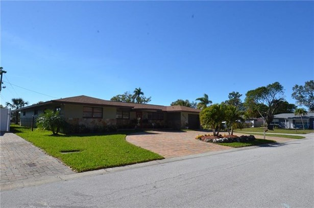 Single Family Home, Florida,Ranch - ST PETERSBURG, FL (photo 4)