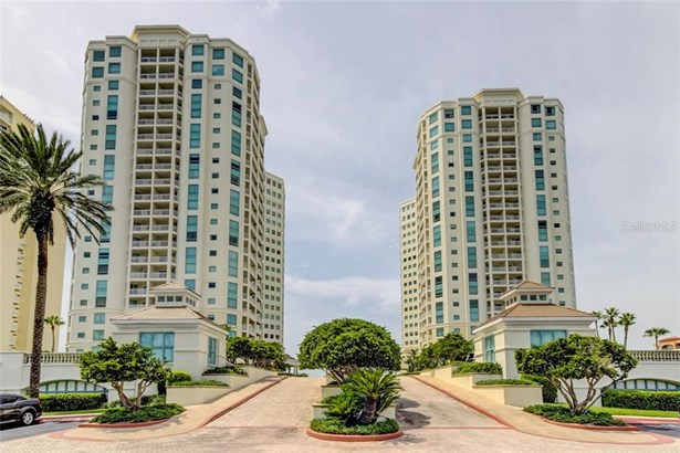 Condominium - CLEARWATER, FL