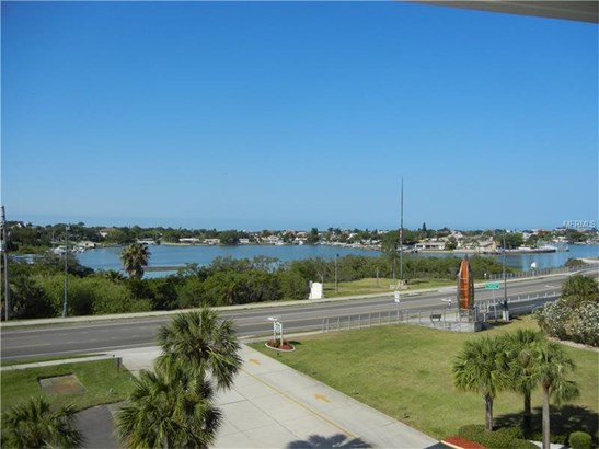 Condo - BELLEAIR BLUFFS, FL (photo 3)