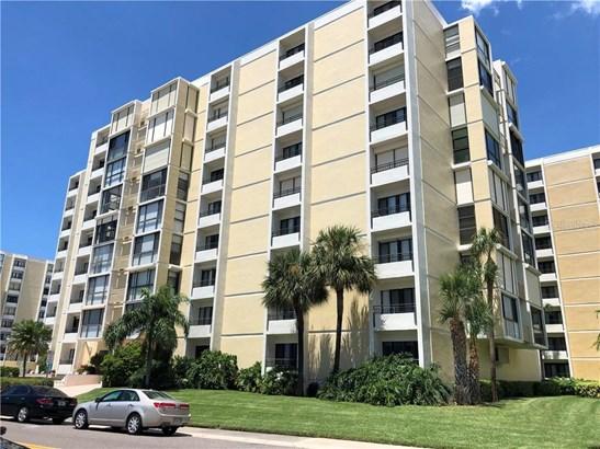 Condominium - CLEARWATER, FL