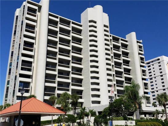 Condominium - CLEARWATER BEACH, FL