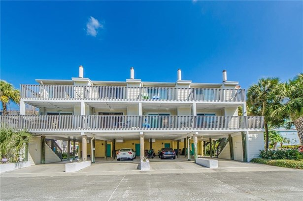 Condominium - INDIAN ROCKS BEACH, FL