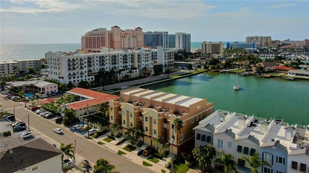 Townhouse - CLEARWATER BEACH, FL