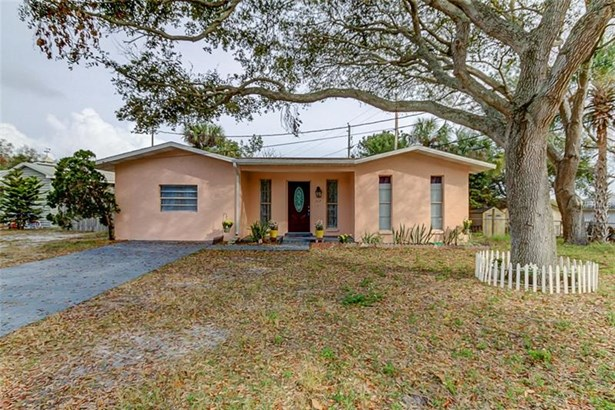 Single Family Home, Ranch - CLEARWATER, FL (photo 1)