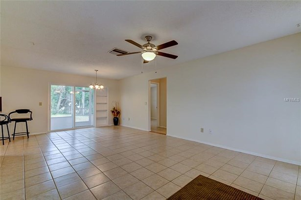 Single Family Home, Ranch - CLEARWATER, FL (photo 4)