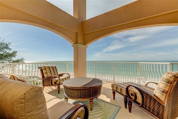 Condominium - INDIAN SHORES, FL