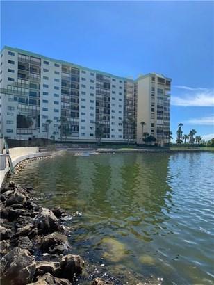 Condominium - ST PETE BEACH, FL