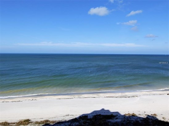 Condo, Traditional - CLEARWATER BEACH, FL (photo 2)