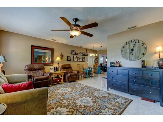 Single Family Home, Traditional - LARGO, FL (photo 3)