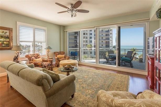 Condominium, Contemporary - CLEARWATER BEACH, FL (photo 4)