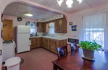 kitchen has  eat in dining, appliances have all been updated. (photo 4)