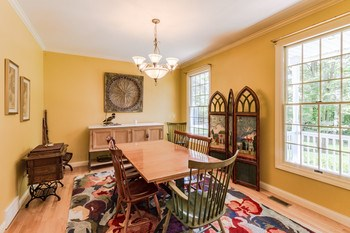 A touch of elegance. The foyer flows easily into the formal dining area. (photo 4)