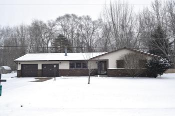 Desirable ranch in Bullock Creek school area.  This 3 bedroom home has been very well taken care of.  You will feel right at home the minute you walk in.  The main section of the home features an open floor plan .  All 3 of the bedrooms are located to one side of the home.  There have been many updates completed and it is ready for you to move right in!Call today for your personal showing, This one will not be on the market long.