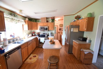 Lots of options in this well appointed kitchen. (photo 3)