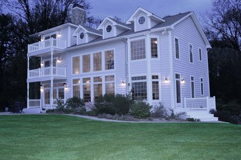 At night, the majestic house glows and is visible from almost anywhere on the lake. (photo 3)