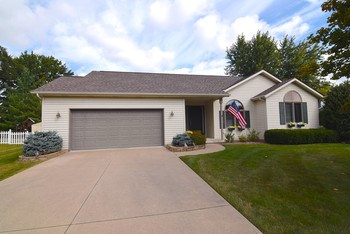 Sprawling ranch on Colorado Ridge. This home has the open floor plan that everyone is looking for these days.  Large mature landscaping provides tons of privacy.  With central air, main floor laundry, and an oversize lot what else could you ask for.  Schedule your showing today! (photo 1)