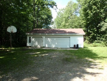 3 Car Garage on the property. (photo 4)