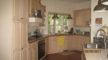 Large open kitchen (photo 4)