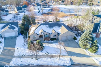 Winter aerial view of home (photo 4)