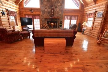 Beautiful yellow southern pine floors (photo 3)