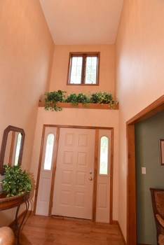 Beautiful foyer as you walk into the home. (photo 5)