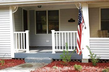 Front porch & Entrance to the Home. (photo 2)