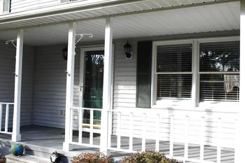 Warm & Inviting Front Porch. (photo 3)