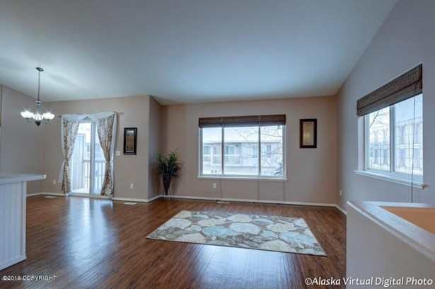 212 E 45th Avenue, Anchorage, AK - USA (photo 1)