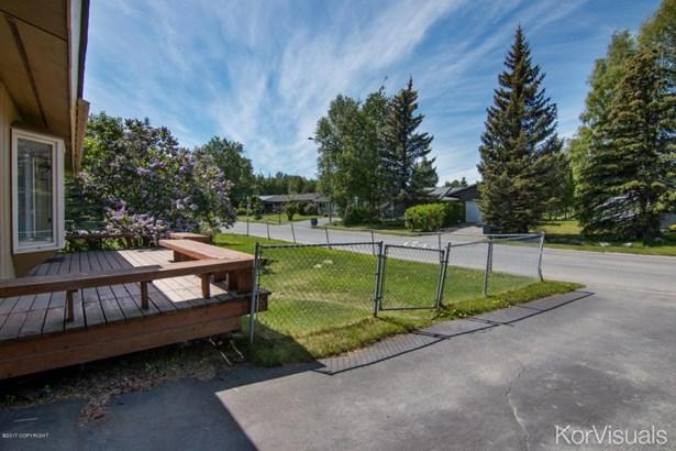 8311 Wisteria Street, Anchorage, AK - USA (photo 3)
