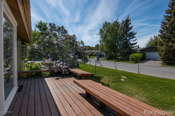 8311 Wisteria Street, Anchorage, AK - USA (photo 4)