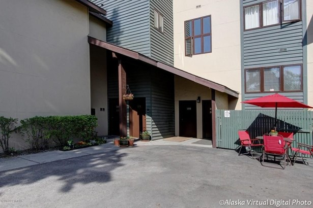 1381 Hillcrest Drive #201, Anchorage, AK - USA (photo 1)