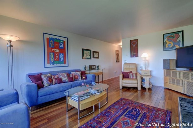 1381 Hillcrest Drive #201, Anchorage, AK - USA (photo 5)