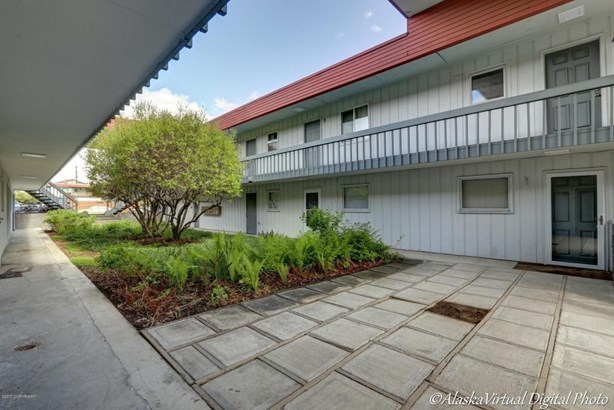 440 E 11th Avenue #b6, Anchorage, AK - USA (photo 2)