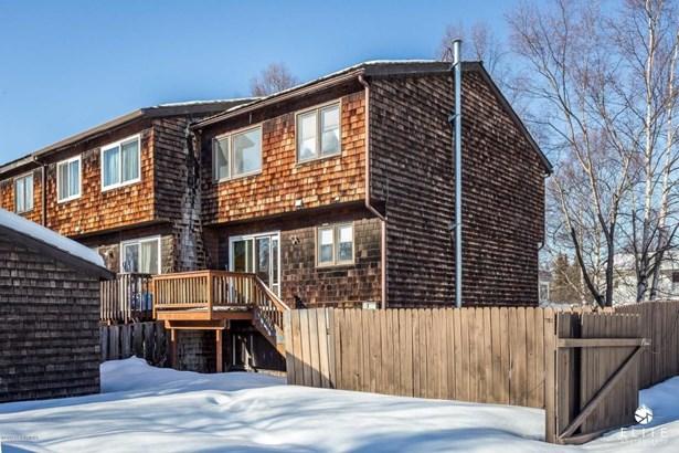 3822 Carleton Avenue, Anchorage, AK - USA (photo 1)