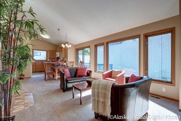 2112 Misty Glen Circle, Anchorage, AK - USA (photo 3)
