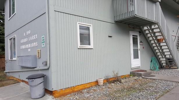 190 Grand Larry Street #a1, Anchorage, AK - USA (photo 2)