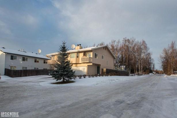 9042 Dewberry Street #19, Anchorage, AK - USA (photo 2)