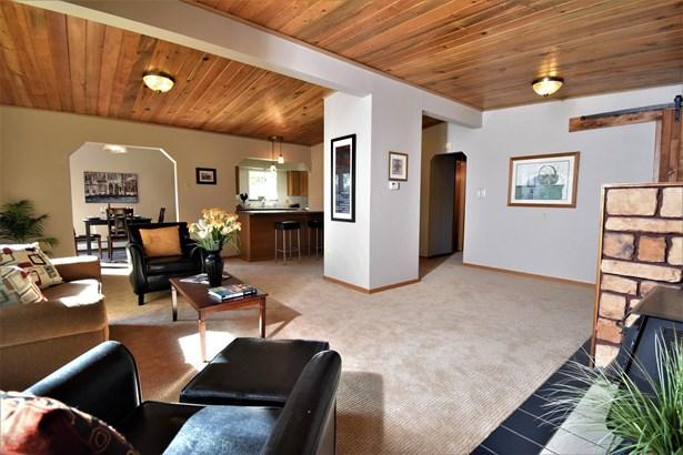 140 Homecrest Place, Anchorage, AK - USA (photo 5)