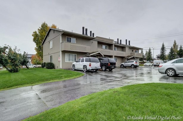 7078 Weimer Street #8, Anchorage, AK - USA (photo 1)