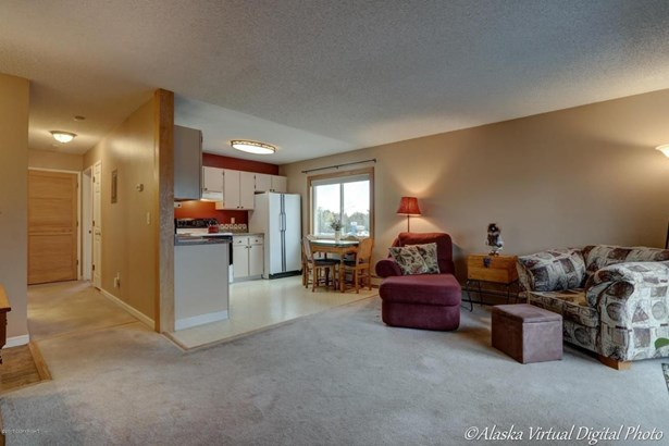 7078 Weimer Street #8, Anchorage, AK - USA (photo 3)