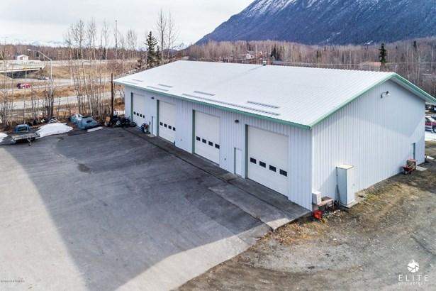 20871 Old Glenn Highway, Chugiak, AK - USA (photo 4)