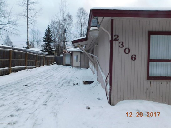 2306 W 45th Avenue, Anchorage, AK - USA (photo 2)
