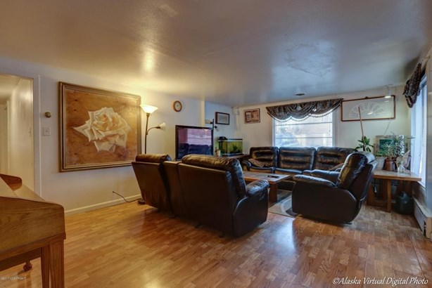 1402 W 47th Avenue, Anchorage, AK - USA (photo 3)