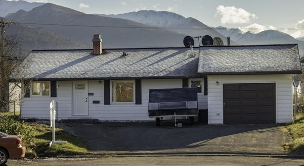 8570 E 12th Court, Anchorage, AK - USA (photo 1)