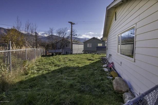 8570 E 12th Court, Anchorage, AK - USA (photo 3)
