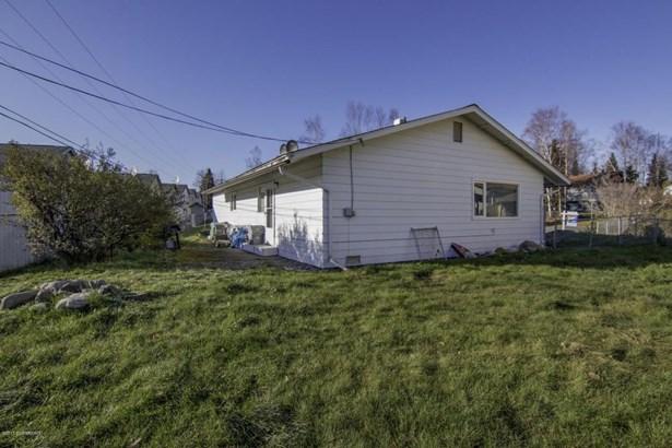 8570 E 12th Court, Anchorage, AK - USA (photo 5)