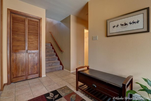 6926 Town And Country Place, Anchorage, AK - USA (photo 3)