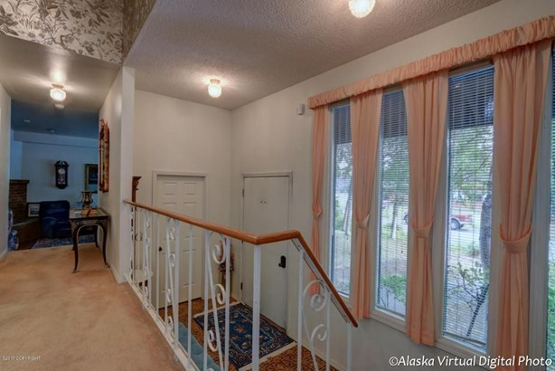 2211 Belmont Drive, Anchorage, AK - USA (photo 2)