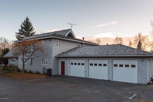 2121 Belmont Drive, Anchorage, AK - USA (photo 1)