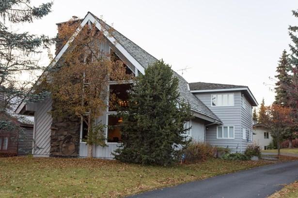 2121 Belmont Drive, Anchorage, AK - USA (photo 2)